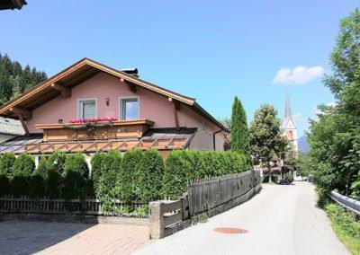 Einfamilienhaus mit Ferienwohnung in Fieberbrunn